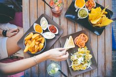 Mexikanische Rezepte sind ideal für Partys! Ich lasse mich von dem feierfreudigen Volk inspirieren und feiere mit mexikanischen Rezepten, Drinks und Deko!