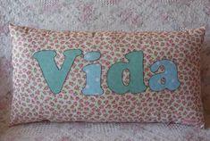 Almofada Vida | Cod A007 Descrição: Tecido: Floral - algodão… | Flickr