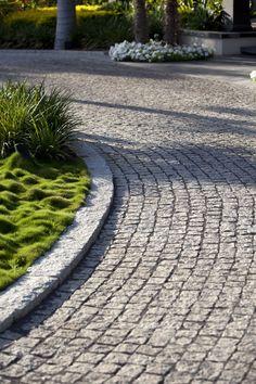 Mohr Avidan - Projects - Asian Gardan Cobblestone Driveway, Driveway Paving, Driveway Design, Driveway Landscaping, Tropical Landscaping, Outdoor Landscaping, Stone Pavement, Pavement Design, Landscape Architecture Design
