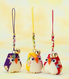 Pattern/Kit of Japanese Chirimen Charm Kit - Owls. I adore the little bell and hanger!