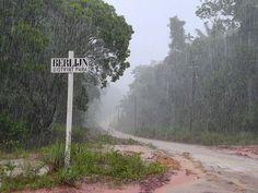 """""""Siebie boesie"""" (sudden rainshower) in Suriname"""