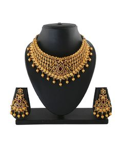 Temple Jewellery: Buy Antique & South Indian Jewellery Online For Women Jewelry Design Earrings, Gold Earrings Designs, Necklace Designs, Gold Bangles Design, Gold Jewellery Design, Gold Jewelry, Bridal Necklace Set, Gold Choker Necklace, Indian Wedding Jewelry