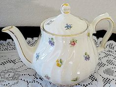 English Sadler Teapot for hire