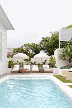 Backyard Pool Landscaping, Backyard Pool Designs, Swimming Pools Backyard, Patio Design, Pool Landscape Design, Pool Houses, Outdoor Living, Outdoor Decor, Tiny House