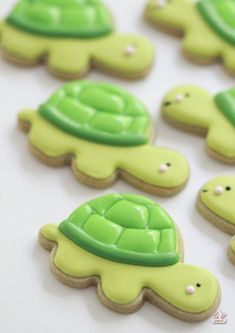 How to Decorate Turtle Cookies with Royal Icing