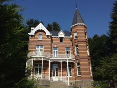 Belgium Tourism, Stay In A Castle, Villa, Architecture, Spa, Cottage, House Styles, Home Decor, The Mansion