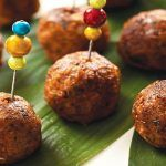 Chiftele de Post, din Ciuperci și Legume (Rețetă) | La Taifas Healthy Food, Healthy Recipes, Home Food, Baked Potato, Hair Style, Potatoes, Baking, Ethnic Recipes, Fine Dining