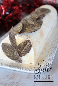 Dessert de Noël : Bûche Vanille-Caramel-Speculoos Xmas Food, Christmas Desserts, Christmas Log, Yule, Cookie Recipes, Snack Recipes, Cracker Toffee, Toffee Recipe, Tumblr Food