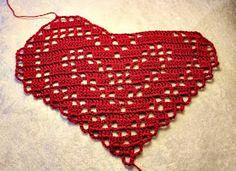 May Brit`s hobbyblogg: Heklet hjerteduk med oppskrift :) Crochet Top, Fashion, Flowers, Moda, Fashion Styles, Fashion Illustrations