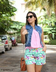 #Shorts #tropical #Distressed #Ripped #Denim #Jacket #Fashion #Style #StreetStyle #Blogger #Travel