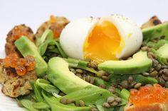 Claire Au Matcha: Salade de Lentilles, Oeufs de Saumon, Petits Croût... Matcha, Menu, Breakfast, Claire, Food, Lentil Salad, Chopped Salads, Salmon Eggs, Avocado Egg