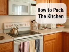 The kitchen is on of the last rooms you pack up when you are moving. Here are 5 simple steps on how to pack up your kitchen for your move. Moving House Tips, Moving Home, Moving Day, Moving Tips, Moving Hacks, Move On Up, Big Move, Kitchen Items, New Kitchen