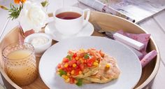 Spoil Mum on Mother's Day with these Corn Blinis with Salmon & Tomato Salsa. Lunch Recipes, Fall Recipes, My Recipes, Breakfast Recipes, Sweet Chilli Sauce, Breakfast In Bed, Morning Food, Salmon, Tasty