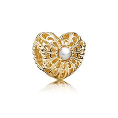 Vintage heart, white pearl. Be sure to mix in a bit of vintage and gold into your Summer jewelry collection. #myperfectPANDORAsummer @officialpandora