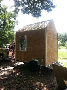 Man Builds Micro Homes for Homeless People Living in Tents Tiny House Community, New Community, Biodynamic Gardening, Tiny House Nation, Micro House, Homeless People, Cabins And Cottages, Tiny House Living, Affordable Housing