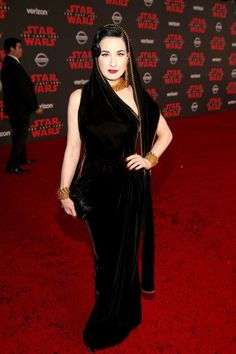 Darlings, so many stars went to war (FASHION WAR) on this Star Wars red carpet that we're just going to have to line the rest of them up for quick n' dirty