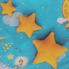 Звезды они такие)) #Тюльпан Погремушка цветок  на проволке #ручнаяработа #ручная_работа #ручнойработы #ручной_работы #хендмейд #хэндмейд #handmade #своимируками #сделаноруками #рукоделие #рукодельница #подарок #плед #вязаныйплед #вязание #вяжу #вяжусама #дети #малыш #выписка #ямама #будумамой  #розовый #розовыйцвет #хэндмэйдуфа #хэндмэйдроссия #мои_работы_2moon #амигуруми #amigurumi by dhakirah