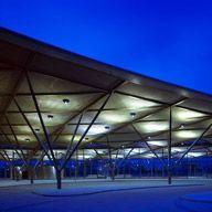 Kiến trúc & Thiết kế tích hợp dự án | Foster + Partners
