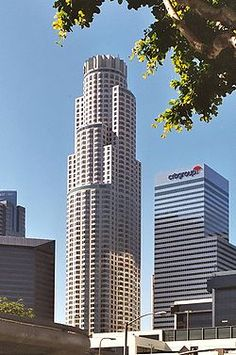 Bank Tower (Los Angeles) - with 73 floors San Diego, San Francisco, Downtown Los Angeles, Los Angeles Area, Apartment Entryway, Entryway Decor, Home Renovation, Home Remodeling, Los Angeles Library