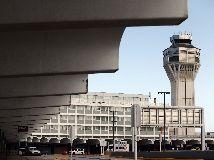"""@ElNuevoDia: """"La Autoridad de Puertos (AP) confirmó esta madrugada que la Agencia Federal de Aviación (FAA, por sus siglas en inglés) aprobó la privatización de las operaciones del Aeropuerto Internacional Luis Muñoz Marín (AILMM)."""""""