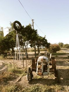 We're always tickled by Freddy's old tractor collection which is scattered around Klein Amoskuil. #Swartland #SpiceRouteWines #KleinAmoskuil