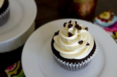 Moist Chocolate Cupcakes with Vanilla Butter Cream **BEST CHOCOLATE CAKE/CUPCAKES EVERRRRRR**