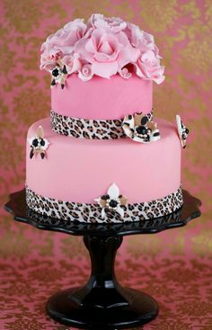 Cakes Haute Couture - Pasteles de Alta Costura: Tutorial de pasteles animal print y cursos on-line Tutorial for this beautiful cake. Leopare print on the inside too ! Gorgeous Cakes, Pretty Cakes, Cute Cakes, Amazing Cakes, Torta Animal Print, Leopard Cake, Pink Leopard, Specialty Cakes, Fancy Cakes