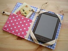 Tablet cover Sewing Crafts, Sewing Projects, Sewing Case, Kindle Case, Ipad Holder, Tablet Cover, Diy Purse, Diy Hair Bows, Animal Crafts