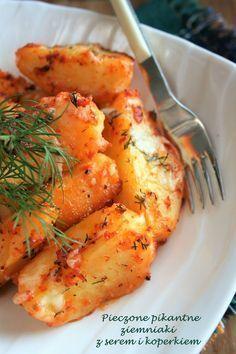 Nie wyobrażam sobie, by kiedykolwiek znudziły mi się pieczone ziemniaki. No, chyba że jadłabym je codziennie - wtedy dopuszczam taką możliwo... I Love Food, Good Food, Yummy Food, Diet Recipes, Vegetarian Recipes, Cooking Recipes, Salty Foods, Vegetable Dishes, Food To Make
