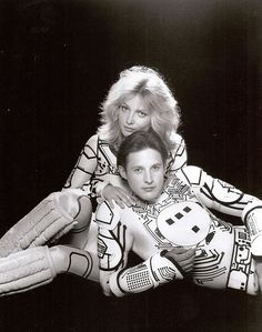 Tron and Yori (Cindy Morgan & Bruce Boxleitner) (EE! BEST couple ever! SOCUTE! Yori loves her Tron ♥♥♥ Those Eyes! Tron... You're seducing everyone ~_~)