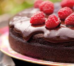 The ultimate chocolate cake from Annabel-Langbein.com