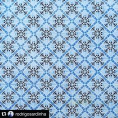 #lisbonpostcards #Repost @rodrigosardinha with @repostapp.  Every building its own art. #tiledesign #architecture #lisbon #lisboa #lisbonne #art #design #igersdesign #igersarchitecture by lisbonpostcards