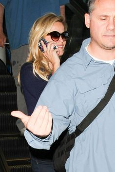 Reese Witherspoon and Ava Phillipe at LAX 9/29/16