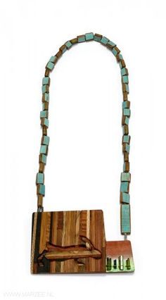Tabea Reulecke - Camouflage, necklace, 2010, mix of tropical woods, turmalin, paint, silk thread - 35 x 11.5 x 1 cm