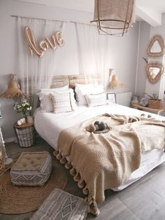 Decorar tu dormitorio, habitación, recamara o cuarto: 20 ideas de dormitorios modernos que ofrecen confort White Bedding, White Bedroom, Modern Bedroom, Master Bedroom, Bedroom Decor, Bedroom Ideas, Design Bedroom, Bedroom Bed, Bedroom Styles