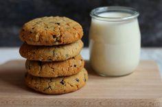 Ciasteczka z masłem orzechowym i czekoladą : Ciasteczka z masłem orzechowym i czekoladą Thermomix Składniki: 130 g mąki pszennej 1 płażka łyżeczka sody 110 g miękkiego masła 120 g masła orzechowego 13. Przepis na Ciasteczka z masłem orzechowym i czekoladą