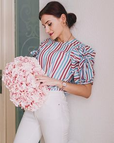 Look Fashion, Ale, Celebrity Style, Ruffle Blouse, Style Inspiration, Clipuri Video, Celebrities, Spring, Model