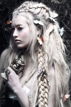 A month in hair colors! Today: white hairstyles!                                                                                                                                                                                 More