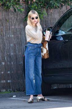 Emma Roberts Makeup, Emma Roberts Hair, Emma Roberts Style, Emma Roberts Boyfriend, Celebrity Moms, Celebrity Style, Hollywood Street, Celebrity Casual Outfits, Looks Jeans