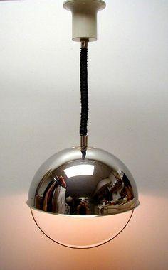 Lampe suspendu d'époque. En chrome. Space age. Vintage ceiling lamp.