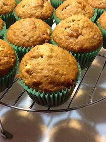 """Cuando veo la palabra """"muffin"""" ya me suena a fácil, y además, si viene de reciclado y con avena, no lo dudo. Lo hago. De hecho, he buscado..."""