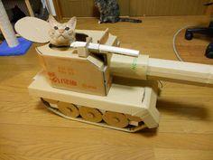 【画像】猫たちが大好きな段ボールで楽しいお家を作ってあげました…『にゃんハウス。』