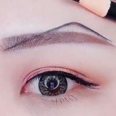 Makeup Natural Tutorial - Care - Skin care , beauty ideas and skin care tips Eyebrow Makeup Tips, Permanent Makeup Eyebrows, Best Makeup Tips, Makeup Eye Looks, Makeup Videos, Lip Makeup, Gyaru Makeup, Crazy Makeup, Makeup Art