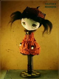 https://www.etsy.com/pt/listing/190086685/agrippine-ooak-cloth-doll-hadmade?ref=related-3