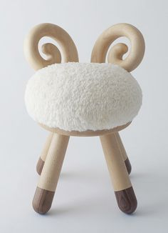 Poligöm // Kamina&C - Sheep Chair
