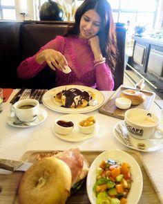"Delicous pancakes for brunch at ""Bohemia"" in Zurich.                         Follow my blog or #Zurichfoodadvisor on Instagram for more food advices in Zurich. #zurich #zürich #pancakes #food  #foodblogger #foodporn #switzerland   #foodlover Food Porn, Brunch, Foodblogger, Chocolate Fondue, Pancakes, Drink, Desserts, Instagram, Tailgate Desserts"