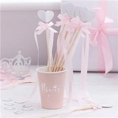 Pink Princess Party Wands for kids - Silver Heart - Fairy - Princess Party - Disney Princess - Girls Birthday Party - Its a girl Baby Shower Princess Party Games, Princess Party Supplies, Princess Wands, Princess Birthday, Girl Birthday, Décoration Baby Shower, Baby Shower Princess, Birthday Party Decorations, Party Themes