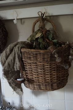 You Are My Home, Old Wicker, Baskets On Wall, Wall Basket, Vintage Baskets, Natural Christmas, Basket Decoration, Beautiful Interiors, House Colors