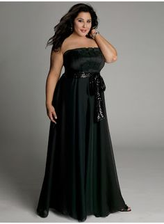 http://vestidosdefiestatallasgrandes.webnode.es/ Vestidos negros. Un cásico que nunca pasa de moda y es super elegante para cualquier evento. Disfruta de él