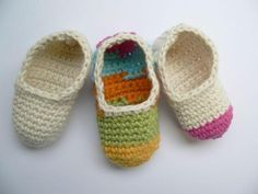FREE Crochet Baby Booties Pattern | Craftsy